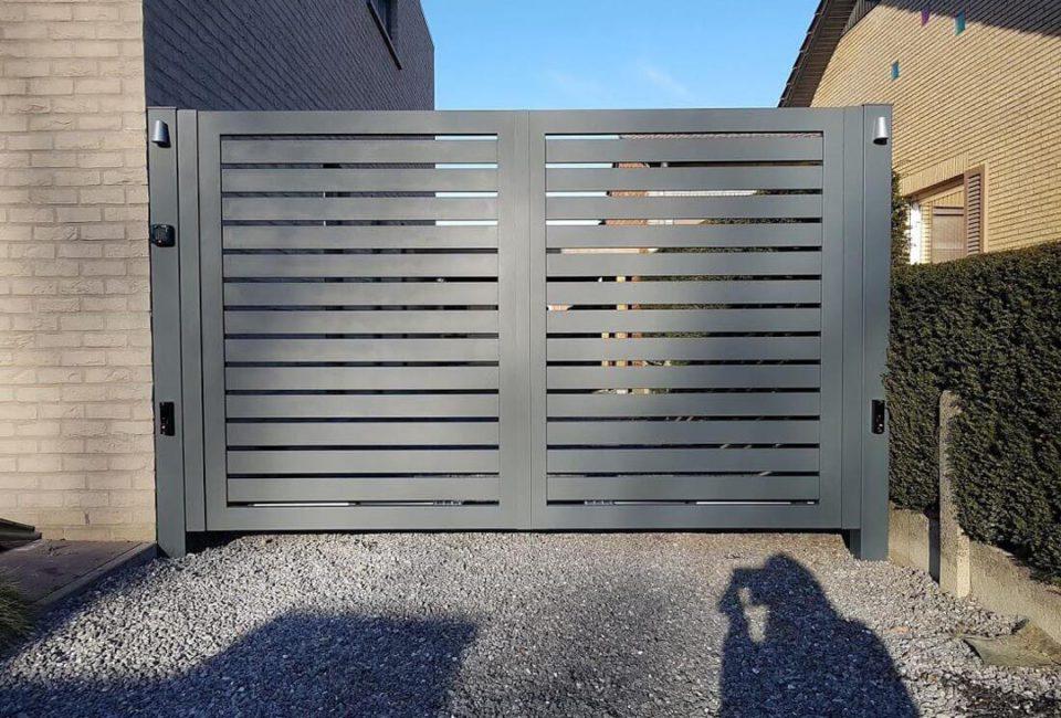 Glenfiddich-dubbele-draaipoort-met-automatisatie-AG Design