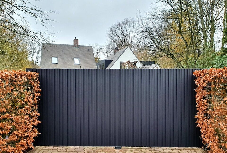 AG Design - draaipoorten en tuinpoorten - Renson